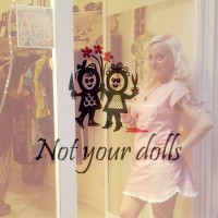 ART T-SHIRT*NOT YOUR DOLLS