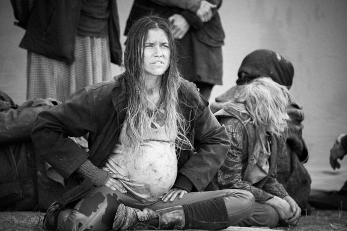L'attrice rumena Anna Ularu durante una pausa dalle riprese. © Anna Kalcheva